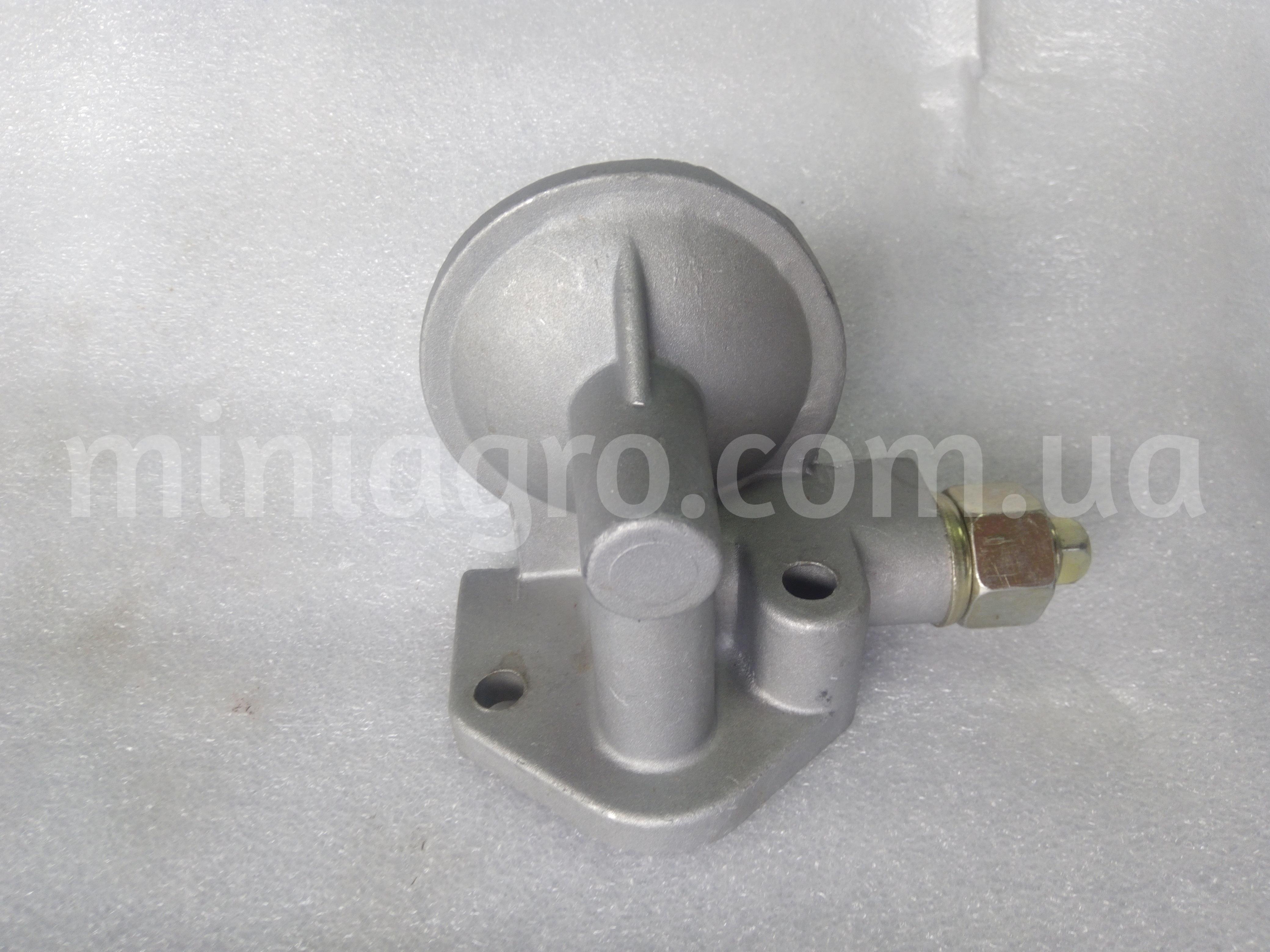 Кронштейн фильтра масляного с клапаном DF240 / 244